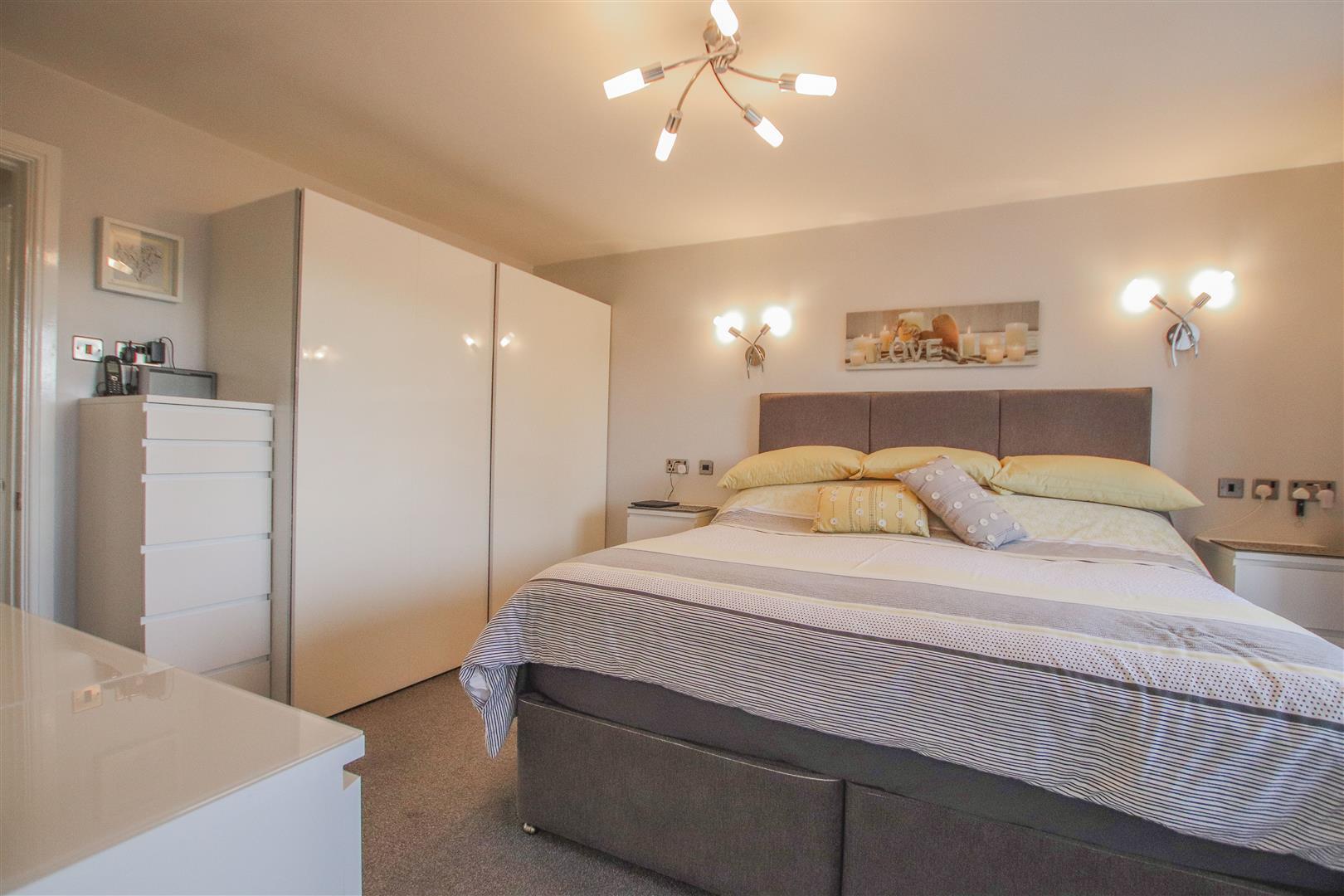 4 Bedroom Detached House For Sale - 26.JPG